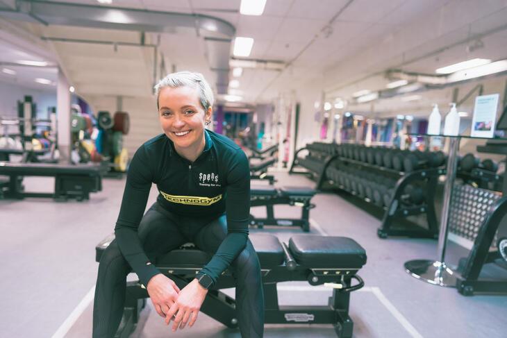Jente på trening